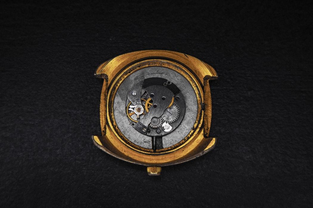 mechanizm zegarka renowacja